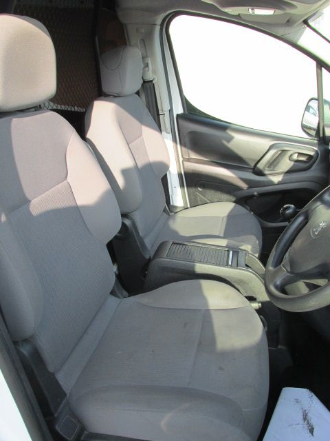 2014 Peugeot Partner HDI S L1 850 (142D17805) Image 9