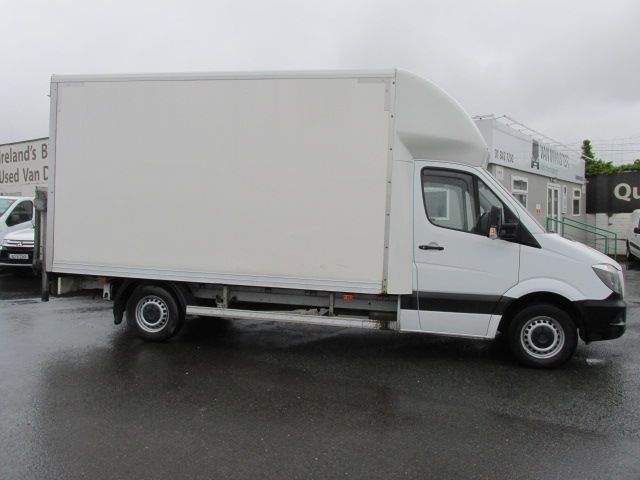 2014 Mercedes Sprinter 313 CDI       LUTON  /  TAIL  LIFT  (142D19242) Image 2