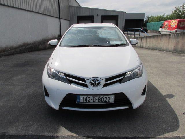 2014 Toyota Auris 1.4D4D Terra VAN 4DR (142D8022) Image 2