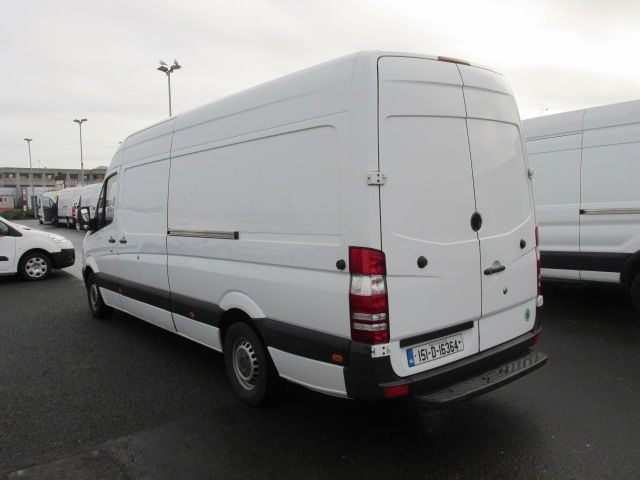 2015 Mercedes-Benz Sprinter CDI VAN 5DR (151D16364) Image 5