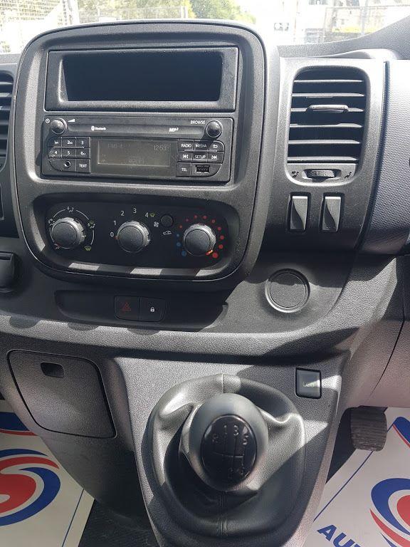 2015 Vauxhall Vivaro 2900 L2H1 CDTI P/V (151D21113) Image 5