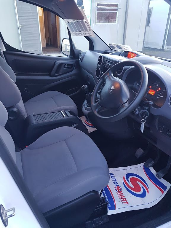 2015 Peugeot Partner HDI S L1 850 (151D22222) Image 4