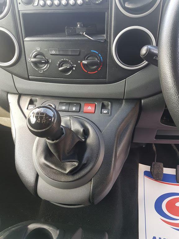 2015 Peugeot Partner HDI S L1 850 (151D29308) Image 3