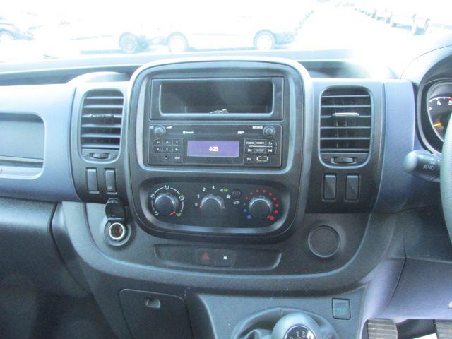 2015 Vauxhall Vivaro 2900 L1H1 CDTI P/V (151D29799) Image 15