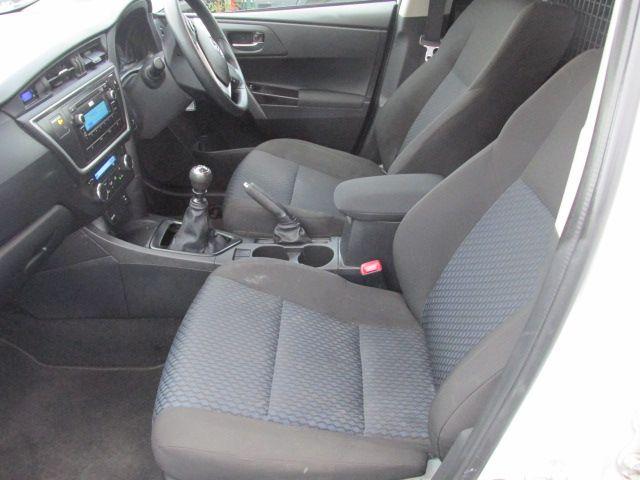 2015 Toyota Auris 1.4D4D TERRA VAN 4DR (151D30536) Image 9