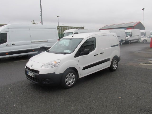2015 Peugeot Partner CHOICE OF 25 FROM €4950 (151D32068) Image 3