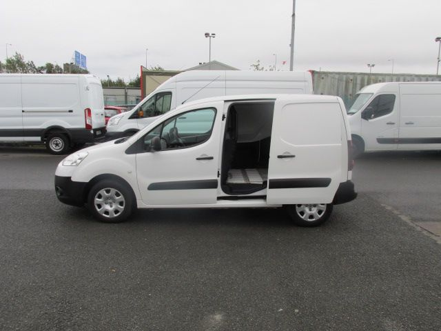 2015 Peugeot Partner CHOICE OF 25 FROM €4950 (151D32068) Image 8