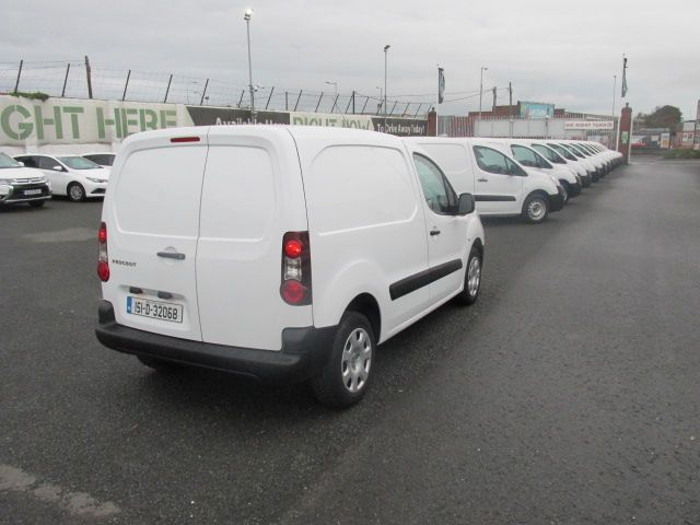 2015 Peugeot Partner CHOICE OF 25 FROM €4950 (151D32068) Image 7