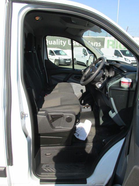 2015 Ford Transit Custom 290 LR P/V (151D36033) Image 10