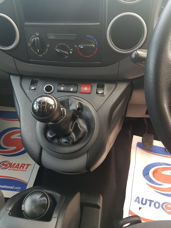 2015 Peugeot Partner HDI S L1 850 (151D37067) Image 4