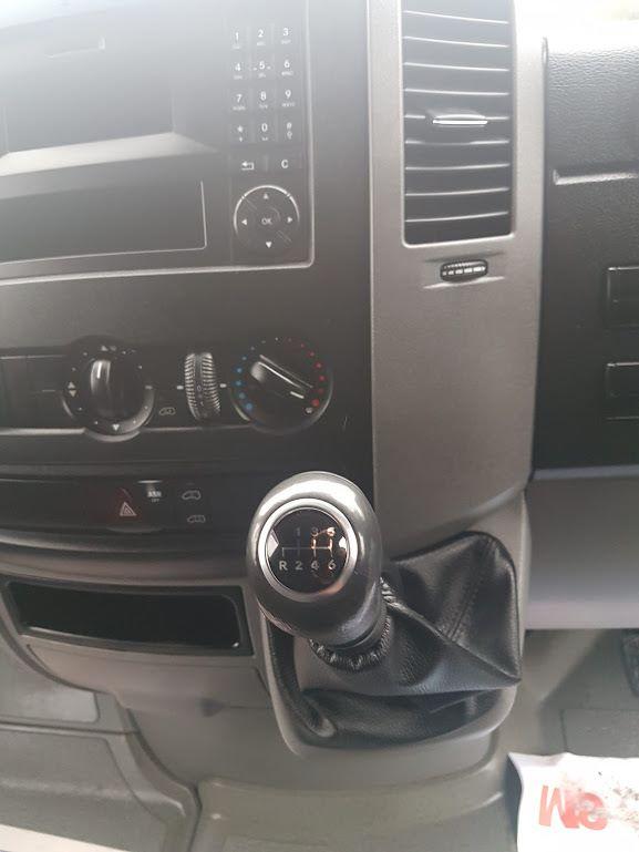 2015 Mercedes-Benz Sprinter CDI VAN 5DR (151D39222) Image 4