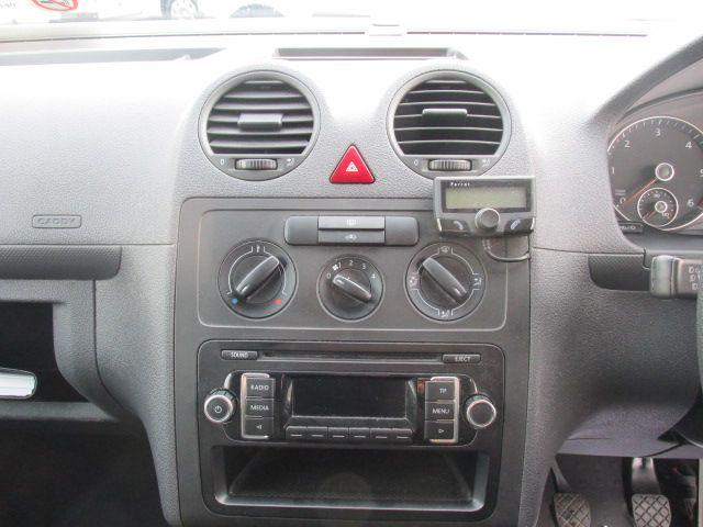 2015 Volkswagen Caddy C20 TDI STARTLINE (151D39635) Image 12