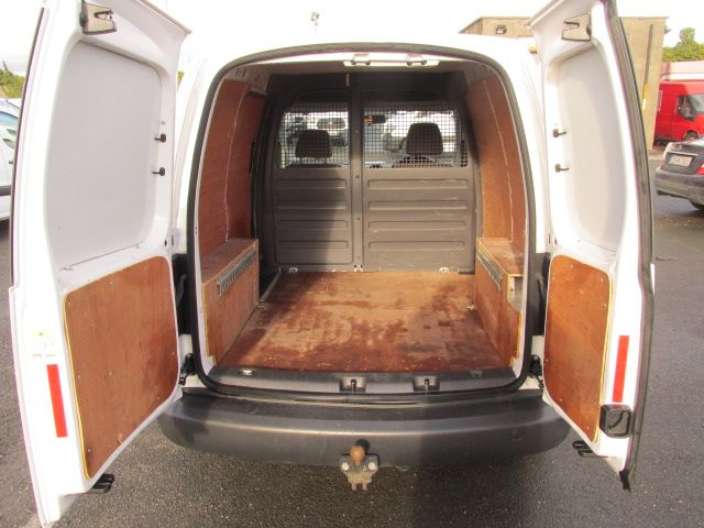2015 Volkswagen Caddy C20 TDI STARTLINE (151D39649) Image 10