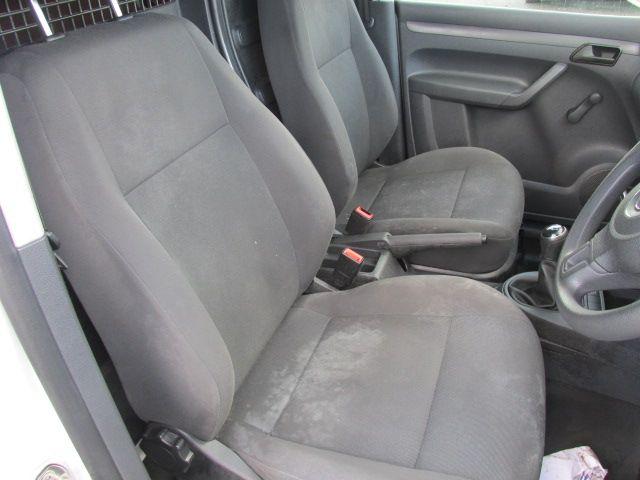 2015 Volkswagen Caddy C20 TDI STARTLINE (151D39649) Image 12