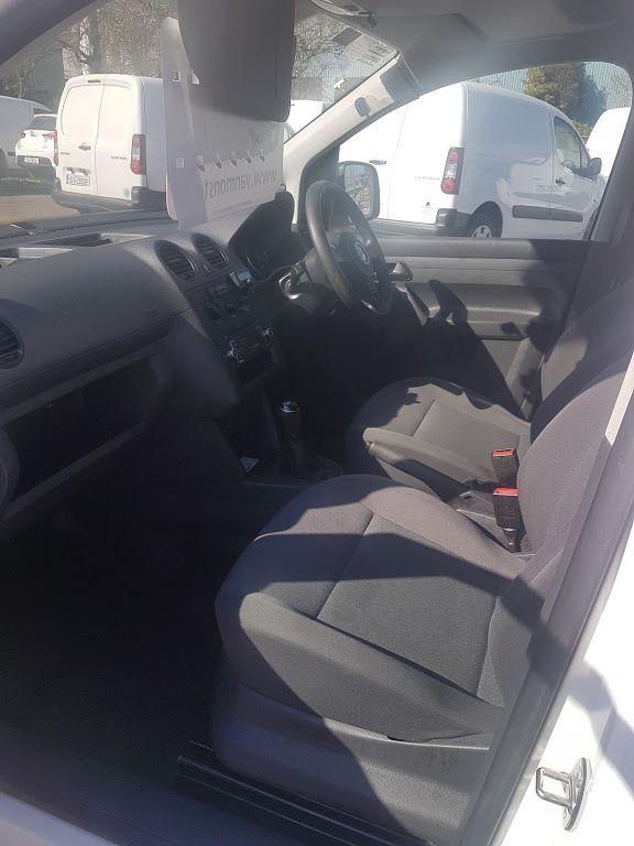 2015 Volkswagen Caddy C20 TDI STARTLINE (151D39796) Image 14