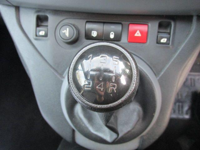 2015 Peugeot Partner HDI S L1 850 (151D39831) Image 17