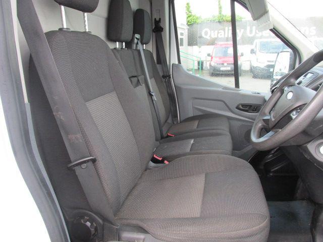 2015 Ford Transit 350 H/R P/V (151D39835) Image 9
