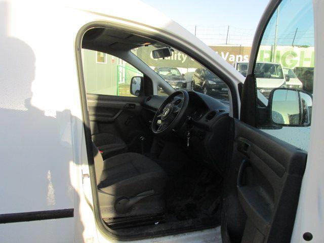 2015 Volkswagen Caddy C20 TDI STARTLINE (151D39983) Image 12