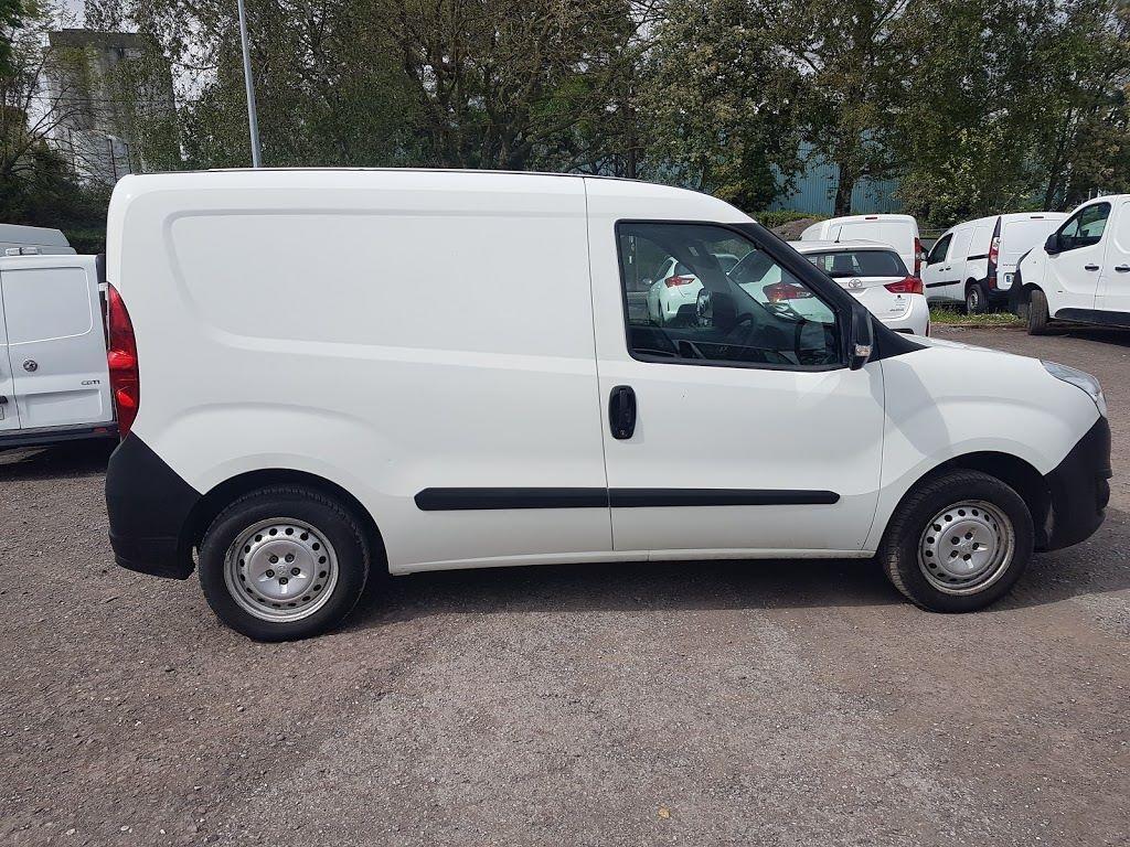2015 Vauxhall Combo 2000 L1H1 CDTI (151D40013) Image 8