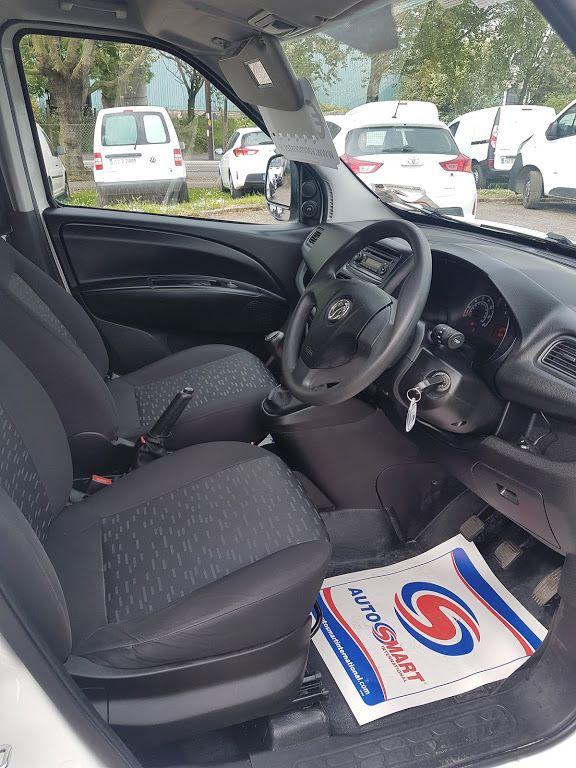 2015 Vauxhall Combo 2000 L1H1 CDTI (151D40013) Image 7