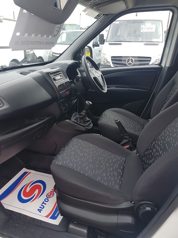 2015 Vauxhall Combo 2000 L1H1 CDTI (151D40013) Image 15