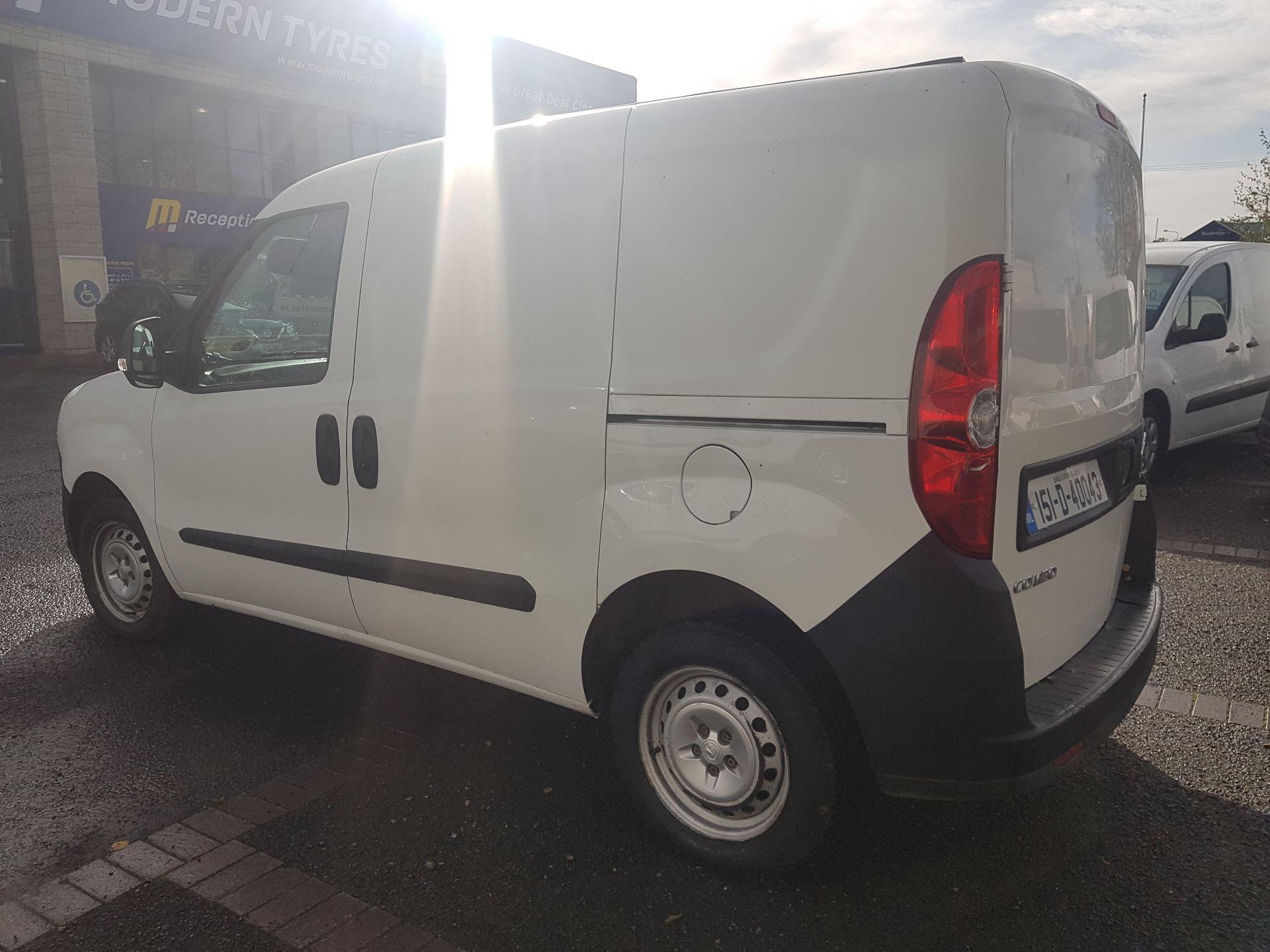 2015 Vauxhall Combo 2000 L1H1 CDTI (151D40043) Image 4