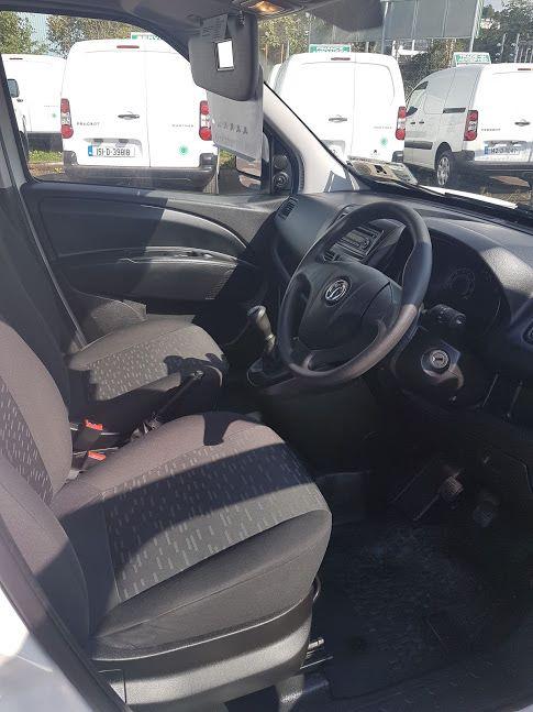 2015 Vauxhall Combo 2000 1.3 CDTI 16V L1H1 VAN (151D40044) Image 12