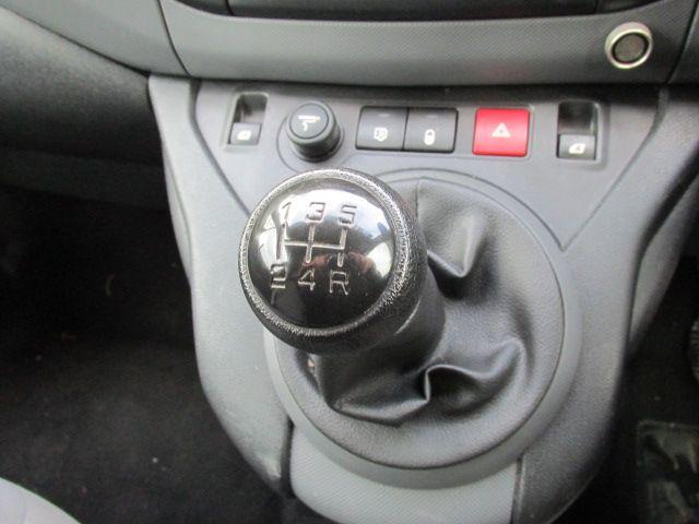 2015 Peugeot Partner HDI S L1 850 (151D48136) Image 13