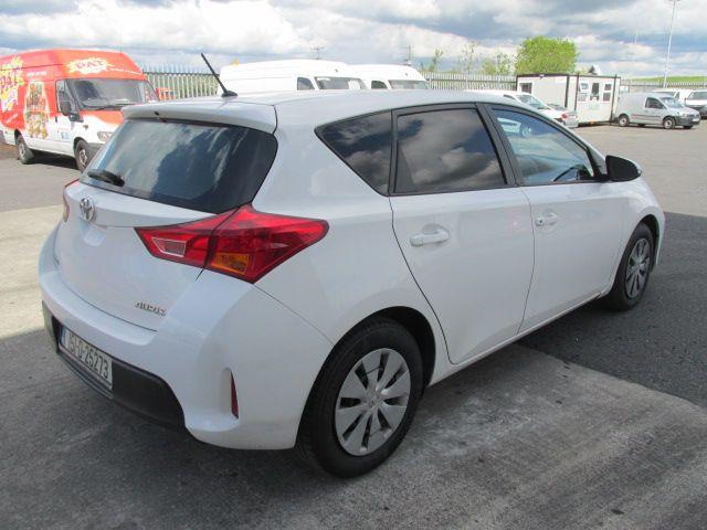 2015 Toyota Auris 1.4D4D Terra VAN 4DR (151D25273) Image 6