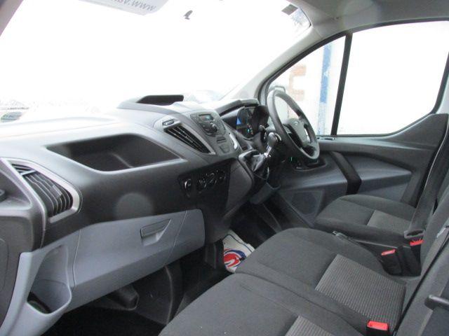 2015 Ford Transit Custom 290 LR P/V (151D35076) Image 9