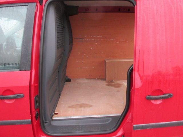 2015 Volkswagen Caddy C20 TDI STARTLINE (151D38264) Image 8