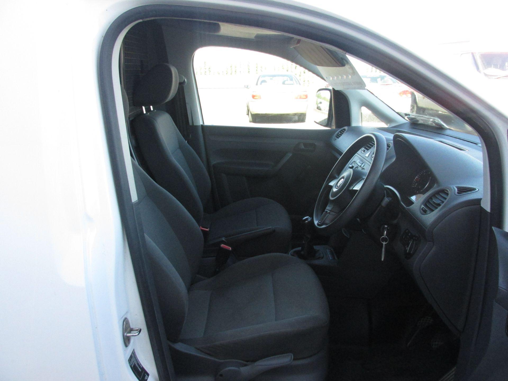 2015 Volkswagen Caddy C20 TDI STARTLINE (151D39653) Image 12