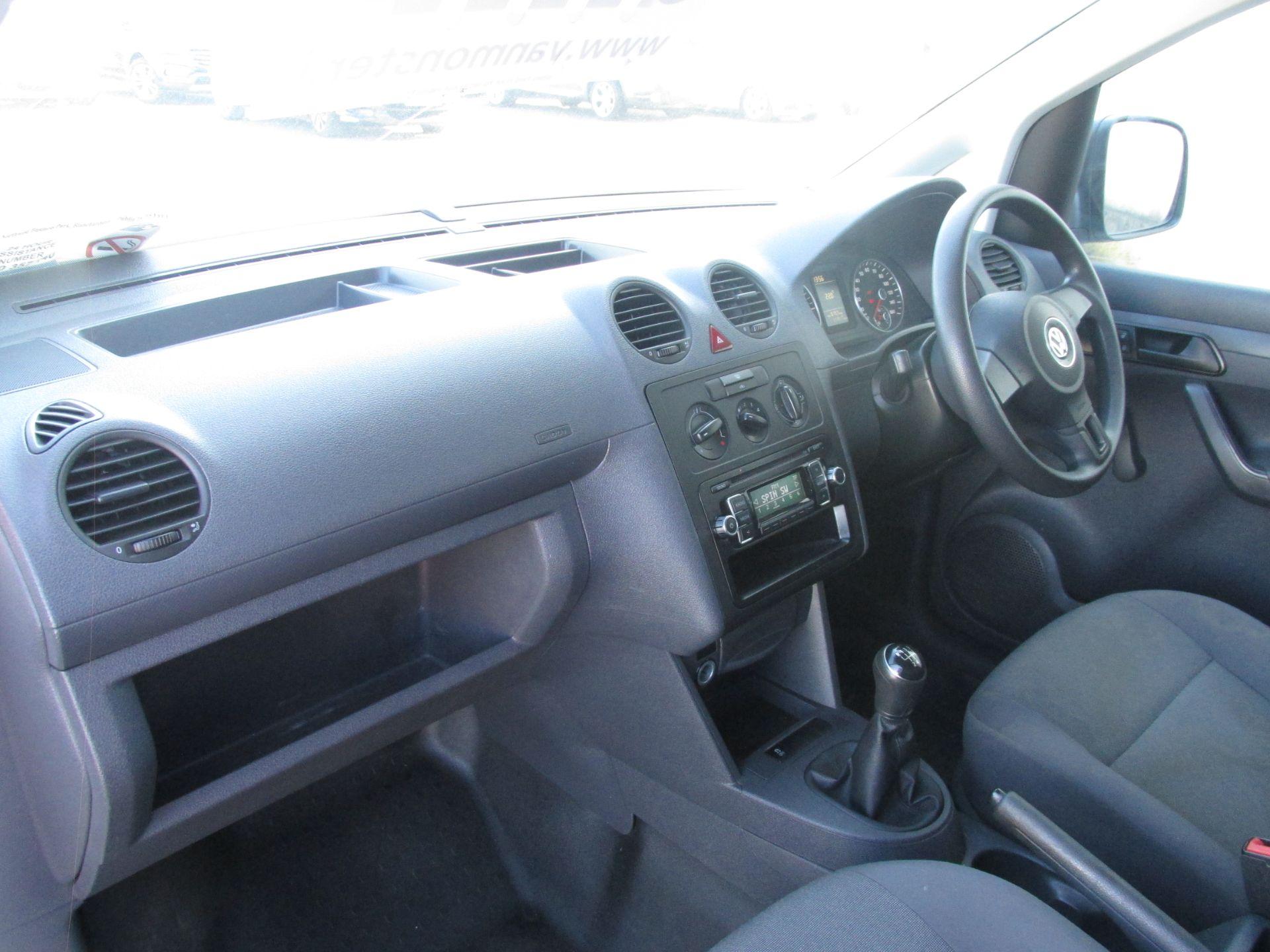 2015 Volkswagen Caddy C20 TDI STARTLINE (151D39653) Image 11