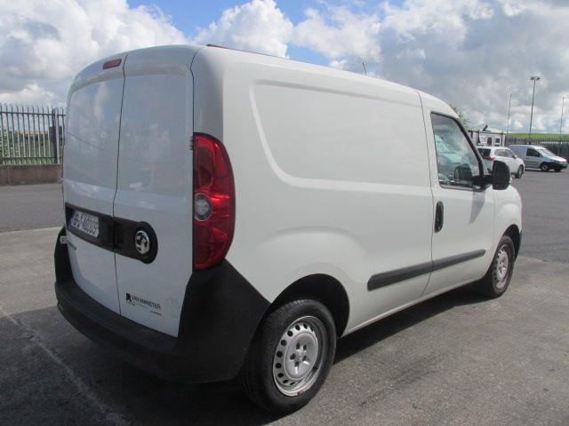 2015 Vauxhall Combo 2000 L1H1 CDTI (151D40009) Image 6