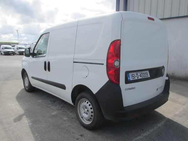 2015 Vauxhall Combo 2000 L1H1 CDTI (151D40009) Image 4