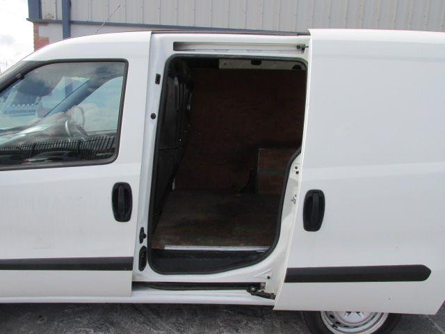 2015 Vauxhall Combo 2000 L1H1 CDTI (151D40009) Image 8