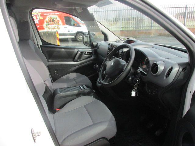 2015 Peugeot Partner HDI S L1 850 (151D47913) Image 9