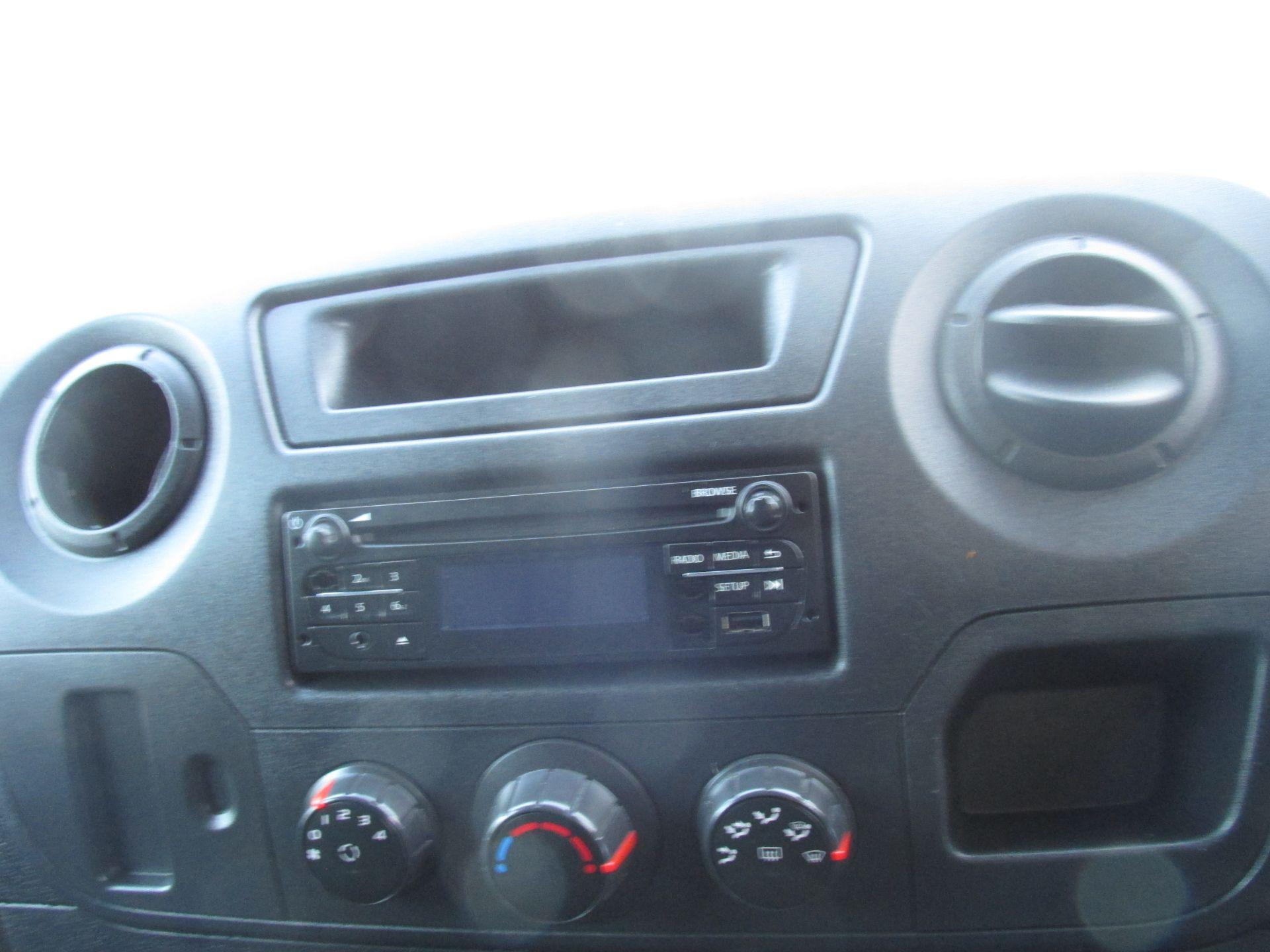 2015 Vauxhall Movano R3500 L3H3 P/V CDTI (152D10848) Image 16