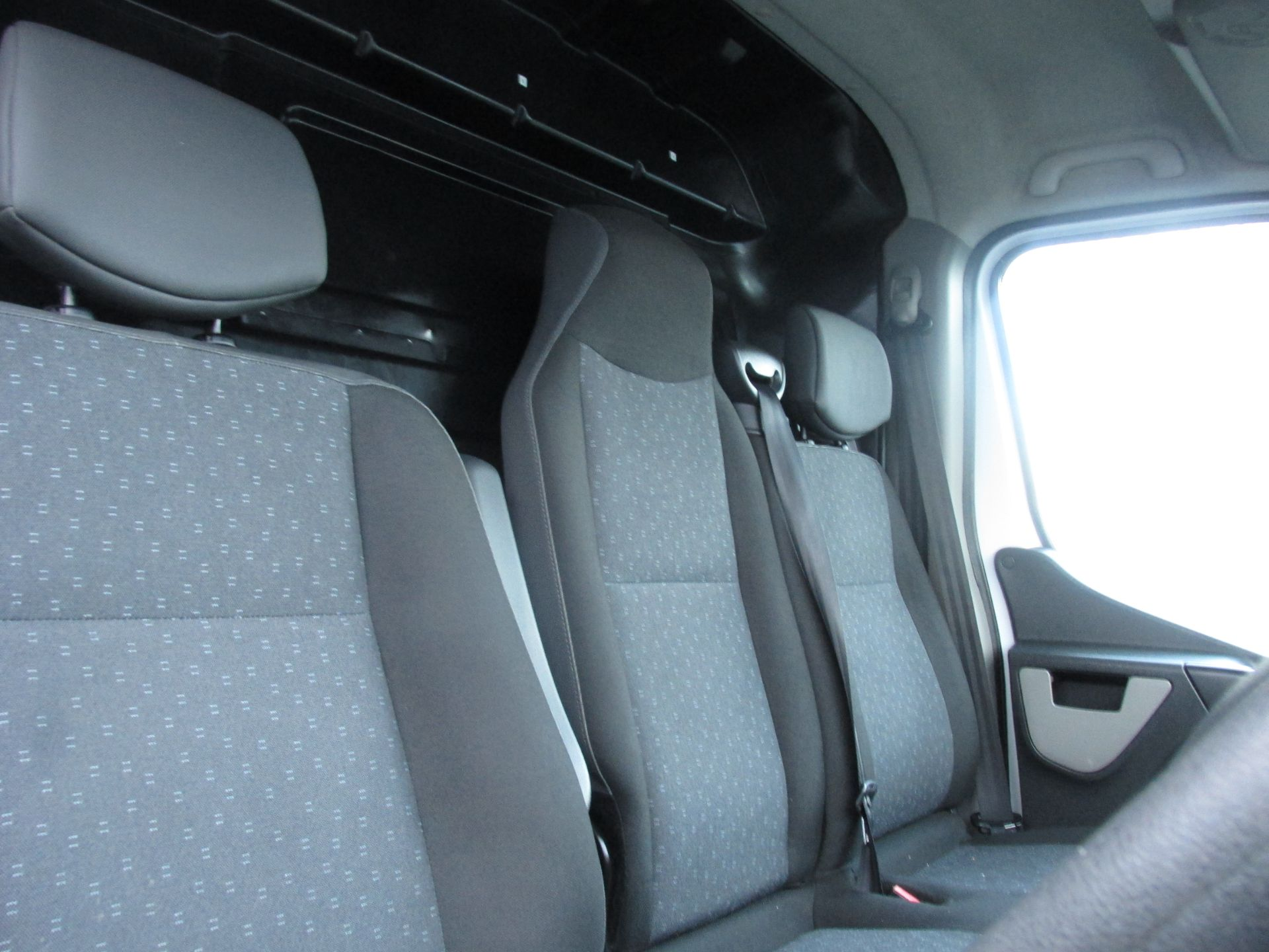 2015 Vauxhall Movano R3500 L3H3 P/V CDTI (152D10848) Image 12