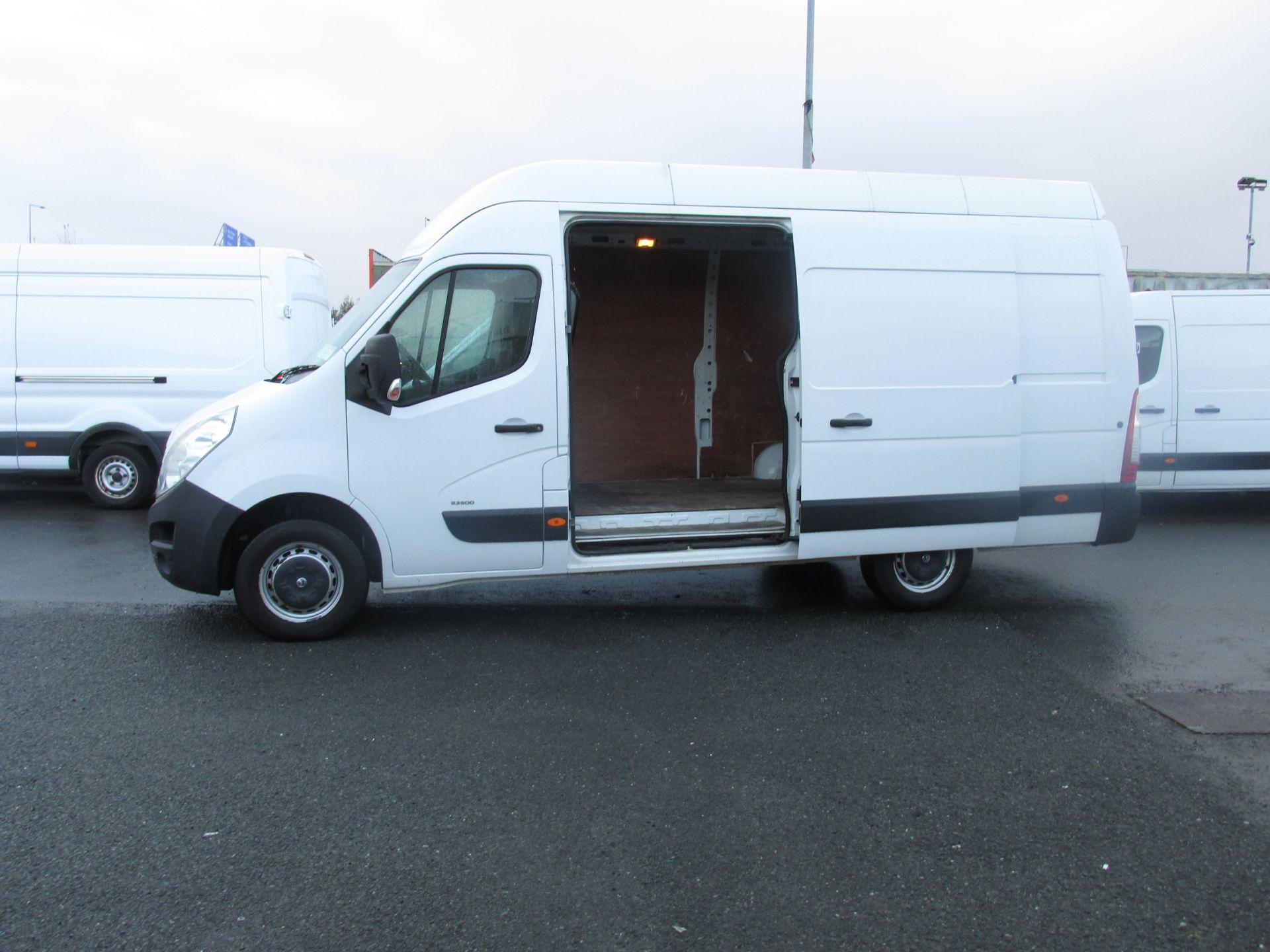 2015 Vauxhall Movano R3500 L3H3 P/V CDTI (152D10848) Image 10