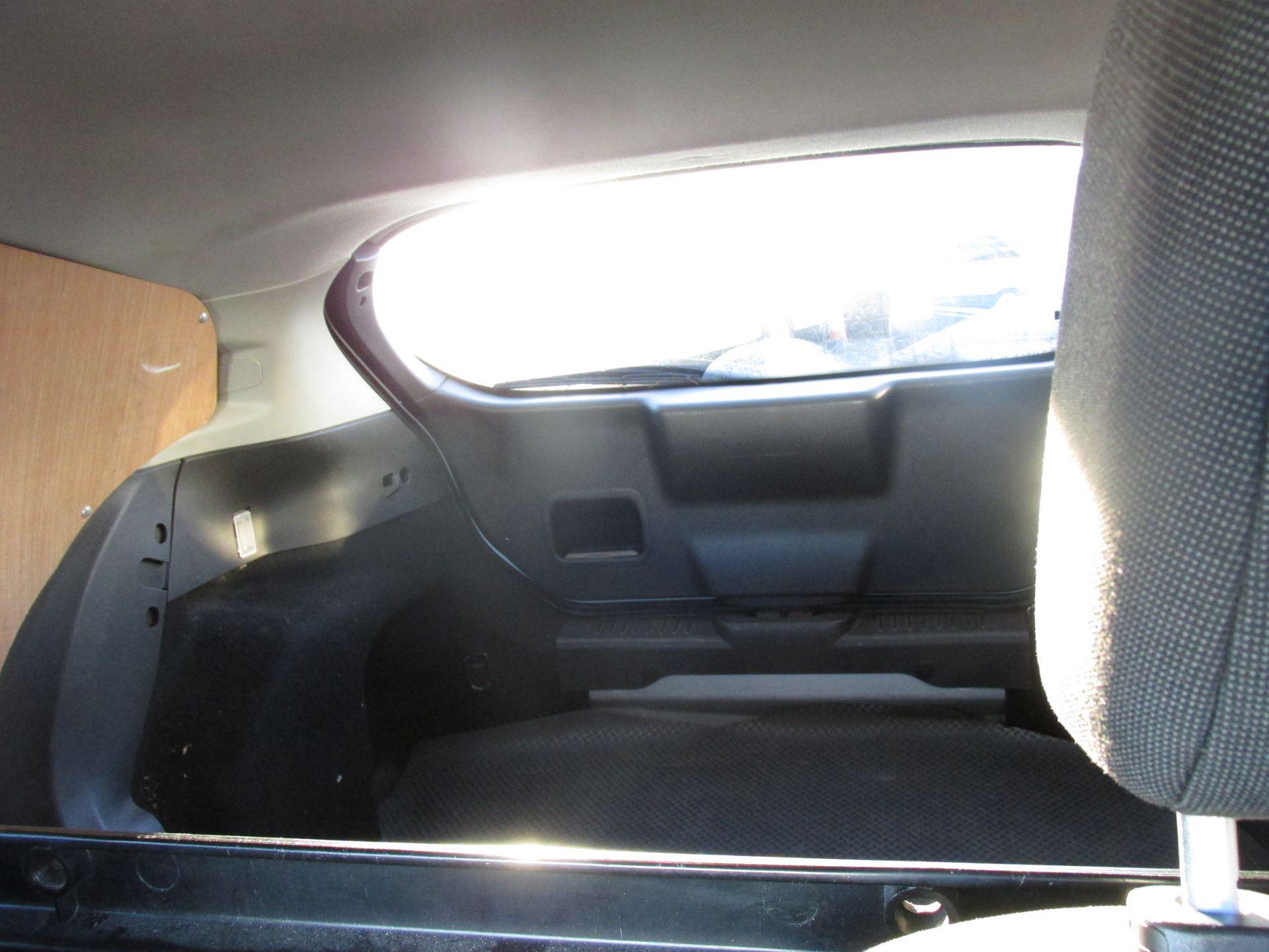2015 Ford Fiesta BASE TDCI (152D14533) Image 9