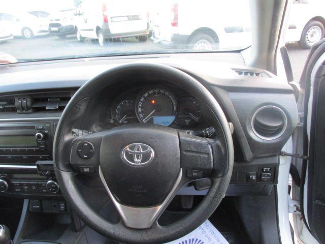 2015 Toyota Auris 1.4D4D Terra VAN 4DR (152D14711) Image 13