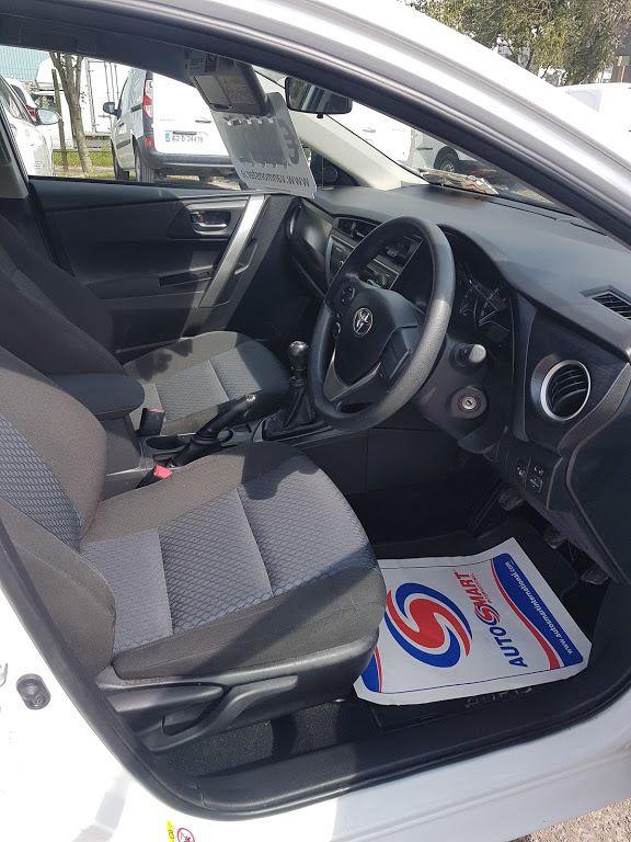 2015 Toyota Auris 1.4D4D Terra VAN 4DR (152D17393) Image 7