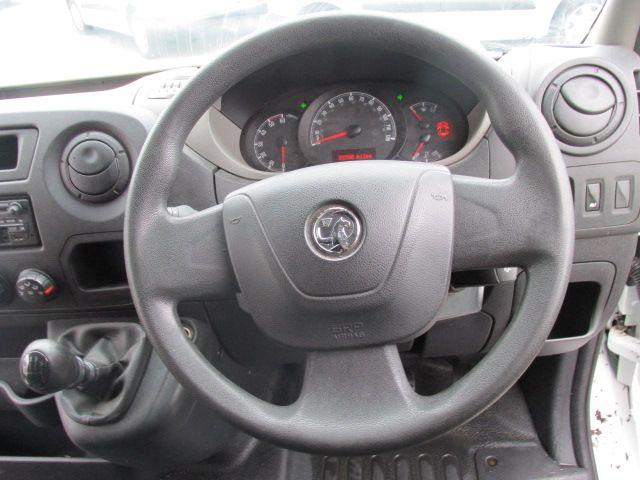 2015 Vauxhall Movano R3500 L3H3 P/V CDTI (152D18381) Image 9
