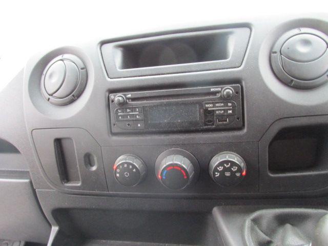 2015 Vauxhall Movano R3500 L3H3 P/V CDTI (152D18381) Image 11
