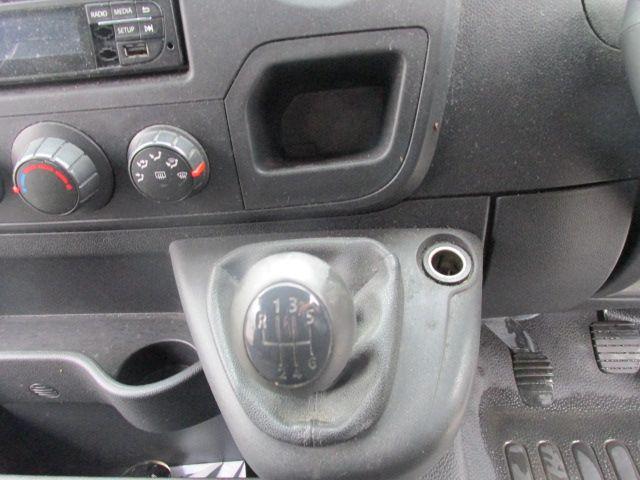 2015 Vauxhall Movano R3500 L3H3 P/V CDTI (152D18381) Image 10