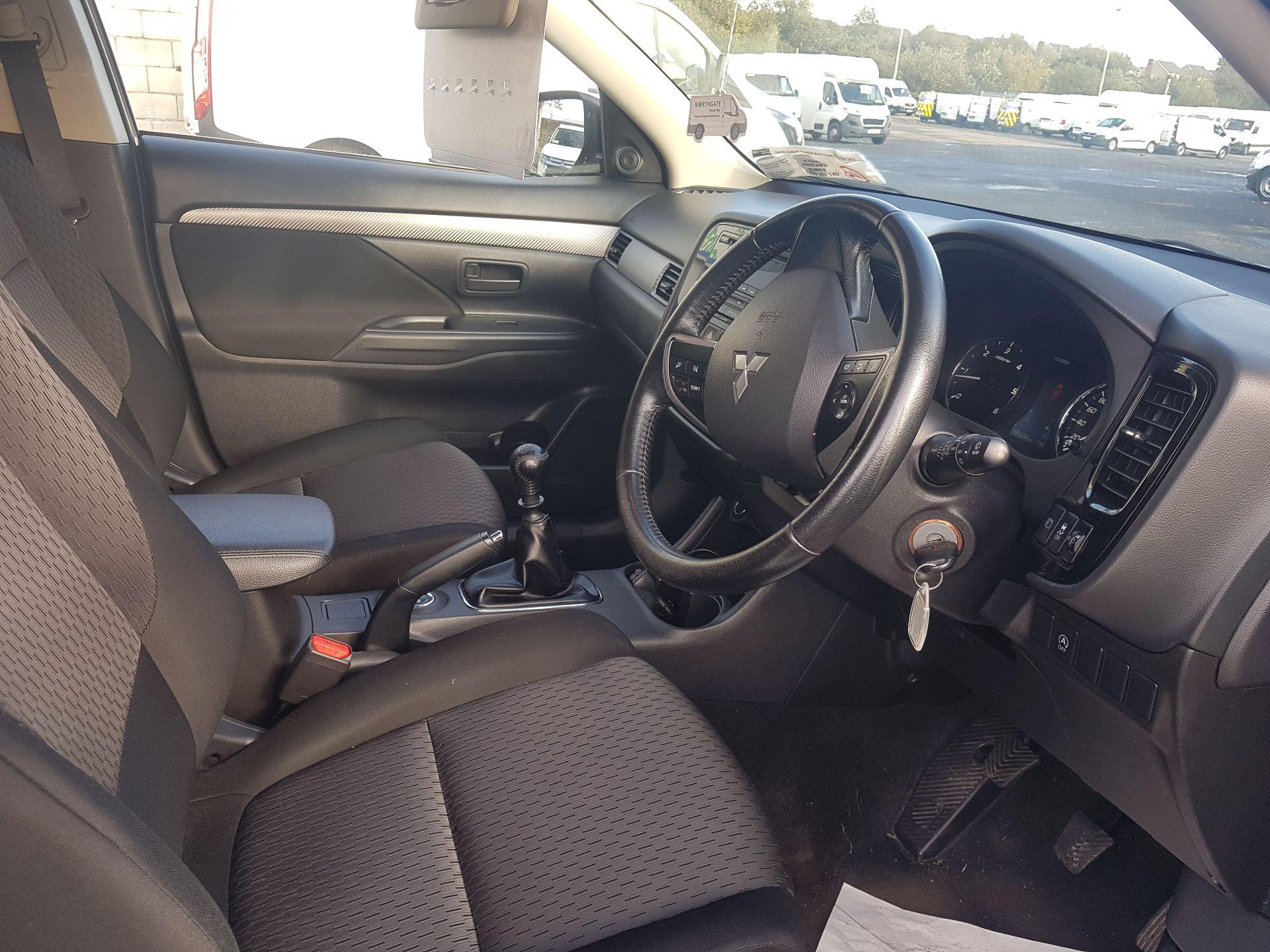 2015 Mitsubishi Outlander 4WD 6MT N1 Comm 4DR (152D18581) Image 13
