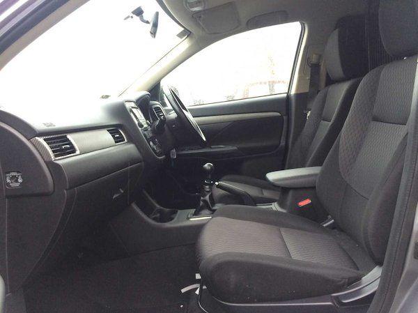 2015 Mitsubishi Outlander 4WD 6MT N1 Comm 4DR (152D18993) Image 7