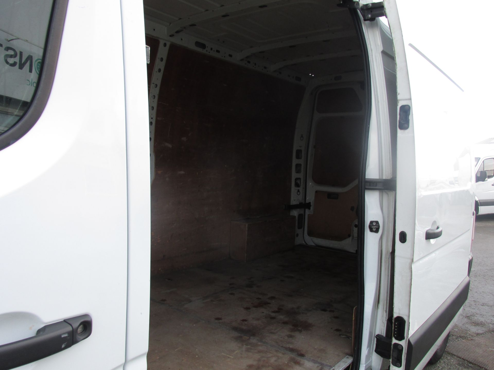 2015 Renault Master III FWD LM35 DCI 125 Business 3DR (152D19497) Image 9