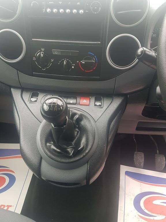 2015 Peugeot Partner HDI SE L1 850 (152D19641) Image 3